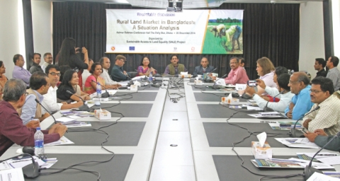 "Participants of the roundtable discussion, ""Rural Land Market in Bangladesh: A Situation Analysis."" Photo retrieved from http://www.thedailystar.net/upload/gallery/image/arts/roundtable-on-rural-land-market.jpg"