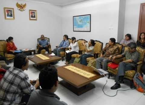 Dialogue between Indonesia's Minister of Secretary of Cabinet and KPA with other NGOs.