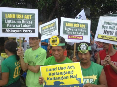 Land use advocates calling for the immediate passage of the NLUA Bill in the Senate. Photo by CLUP Now!