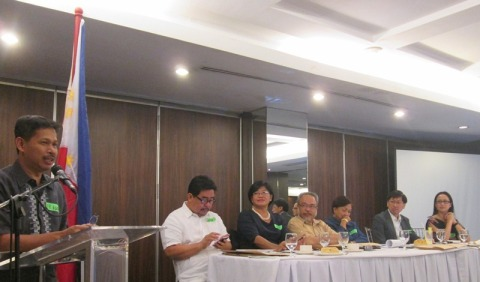 "Panel of discussants of the ""National Policy Dialogue on Local Autonomy and Mining."""